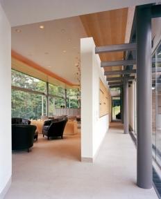 Living Pavilion + Gallery. Photo by Albert Vecerka | ESTO.